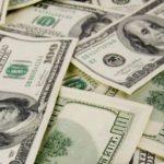 FINANCIAL TIMES: Predpoveď dolára na tento rok je vytrvalý pád