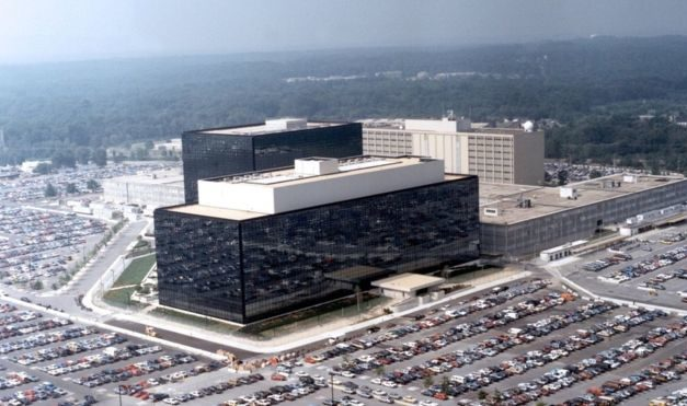 BBC:  Vláda Spojených štátov urobila hackerské útoky na globálny bankový systém SWIFT