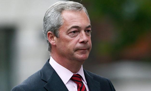 Nigel Farage: Juncker je úplný idiot. Idiot, inak ho nejde nazvať   ParlamentniListy.cz