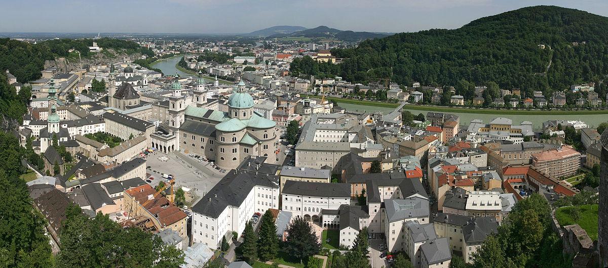 Salzburger Nachrichten:  Podľa policajnej správy dvaja muži znásilnili dievča