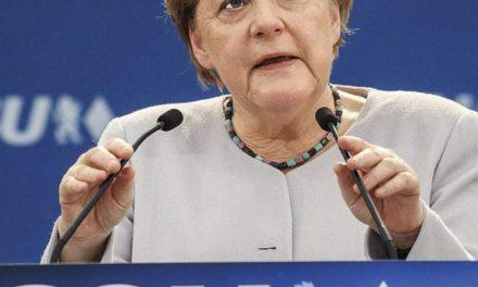 """MERKELOVÁ: """"My Európania potrebujeme vziať svoj osud do svojich rúk a nespoliehať sa na nikoho"""" – glosa Petra Králika"""