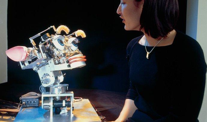 E15: Expert z Cambridge načrtol 7 rizík umelej inteligencie. Čoskoro sa má zmeniť svet, ako ho poznáme