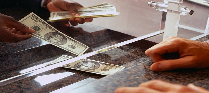 ROKLEN24: Koniec komerčných bánk. Odteraz už všetkým požičiava len tá centrálna