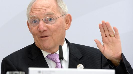 """VIEME PRVÍ A VČAS: Nemecký minister financií kritizoval Taliansko za bankovú krízu, obvinil Taliansko z využitia """"regulačnej medzery"""""""
