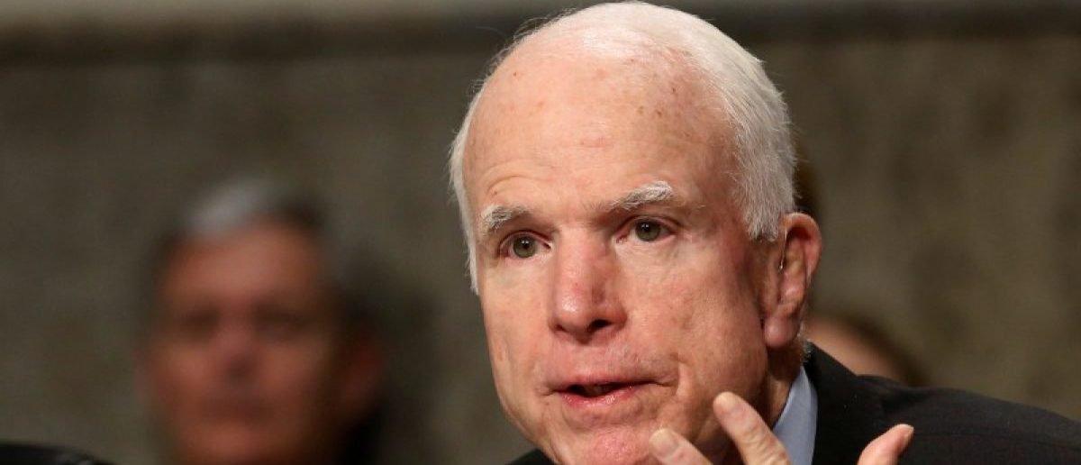 VIEME PRVÍ A VČAS: Soros, Clintonovci, ale aj Saudi sponzoruju inštitút Johna McCaina, píše DAILY CALLER
