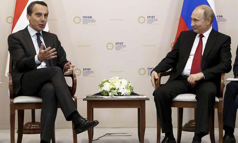 GLOSA: Ako si rakúsky kancelár Kern vybavoval na Petrohradskom ekonomickom fóre prípojku NORD STREAM2 cez Baumgarten