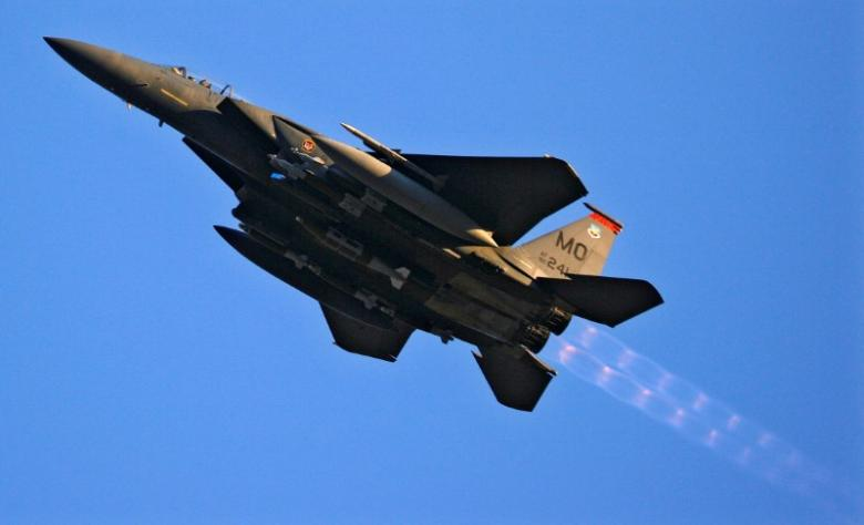 VIEME PRVÍ A VČAS: USA podpísali s Katarom zmluvu na dodávku lietadiel F15 za 12 miliárd dolárov a tým torpédovali snahy Saudov o izoláciu Kataru