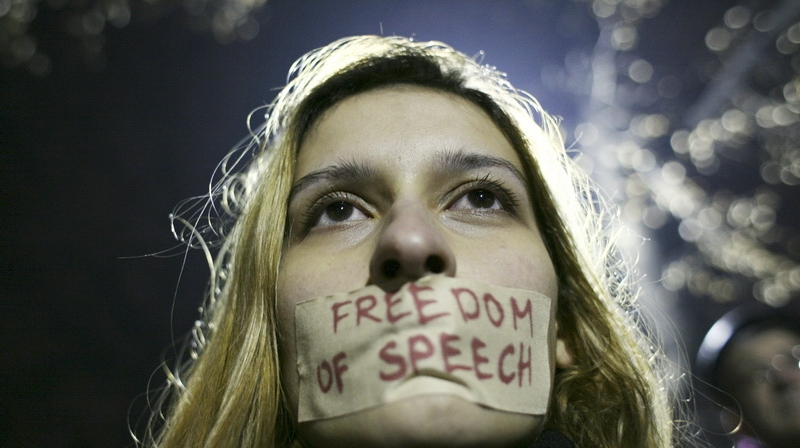 Keď ticho buráca. Komentár k cenzúre v Česku