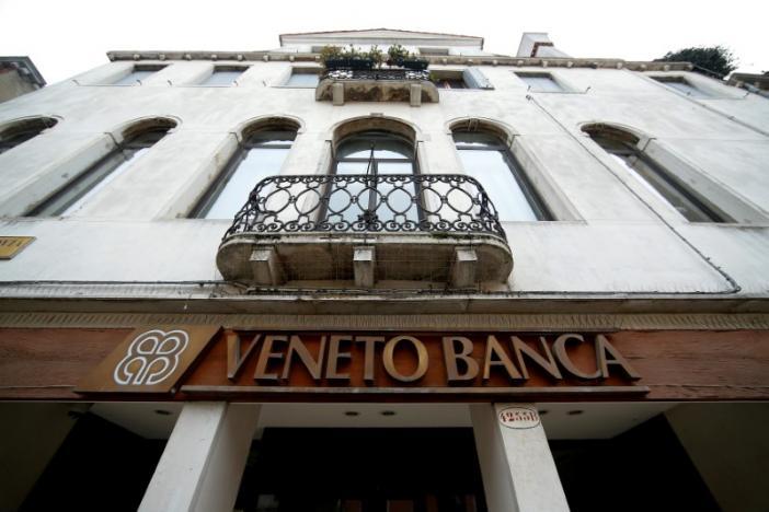 Taliansko ide zachraňovať dve banky za možných 17 miliárd eur z peňazí daňových poplatníkov s porušením pravidiel eurozóny
