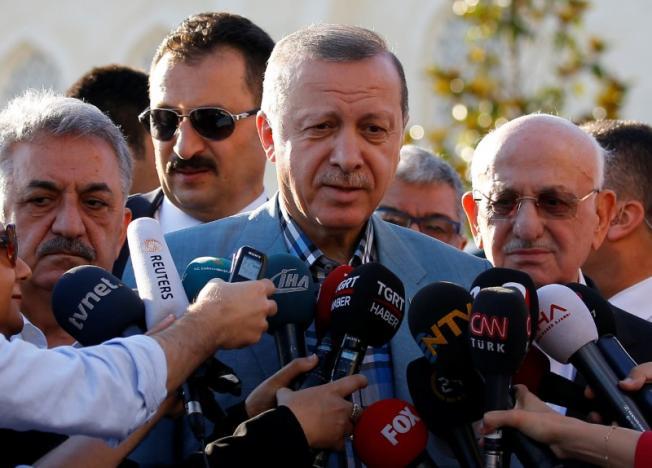 VIEME PRVÍ A VČAS: Erdogan z Turecka hovorí, že arabské požiadavky na Katar sú nezákonné