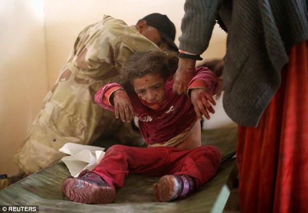 MIMORIADNA SPRÁVA: Islamský štát za posledné 2 týždne zabil 230 civilistov, používa ich ako ľudské štíty