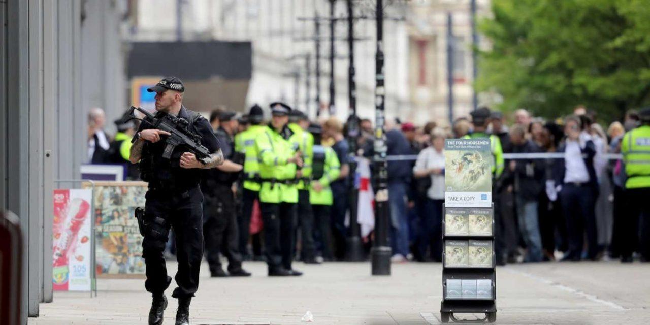 Všetci podozriví z útoku v Manchesteri prepustení bez ďalšieho stíhania, náhoda či zámer?