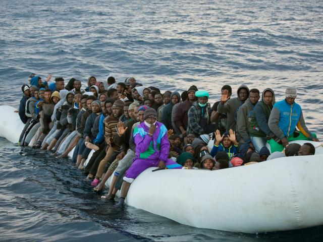 """EXPRESS: Takmer všetci """"utečenci"""" prichádzajúci teraz do Európy sú ekonomickí imigranti, priznáva už aj EÚ"""