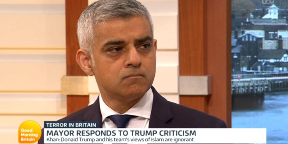 Londýnsky starosta Sadiq Khan priznal, že sledovanie teroristov ISIS v Londýne nie je jeho prioritou