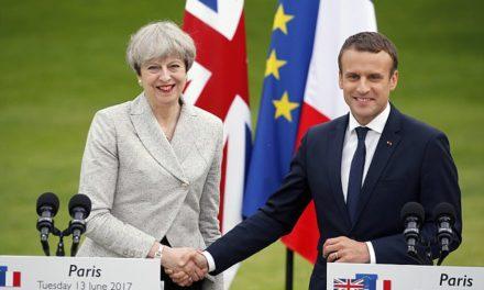 """Londýn obviňuje Francúzsko zo sprisahania """"rozbiť Britániu"""" – aj keď z toho nič nezíska"""