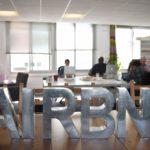 Airbnb sa súdi so ženou, ktorá bola údajne obťažovaná majiteľom bytu