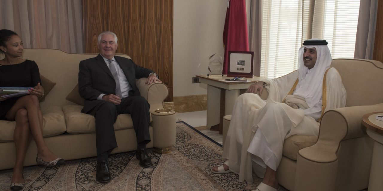 Organizácia Spojených arabských emirátov zorganizovala hackovanie miest v štáte Qatar, čo vyvolalo regionálne prevratné útoky