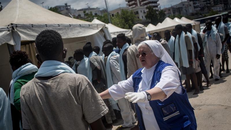 VIEME PRVÍ A VČAS: OSN vyzýva EÚ na urýchlené zavedenie distribučného systému pre imigrantov. Taliansko cez víkend prijalo 12 600 imigrantov