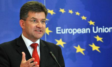 MIMORIADNA SPRÁVA: Minister zahraničných vecí Lajčák zvažuje demisiu kvôli paktu o migrácii.