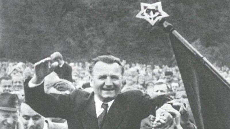 """Rušenie ĽSNS alias """"Kotlebovcov"""" je možno začiatok totality"""
