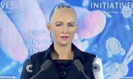 VIDEO: Saudská Arábia udelila štátne občianstvo humanoidnému robotovi