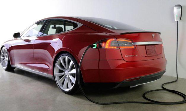 Trh je v napätí, Tesla ohlásila na dnes prezentáciu výsledkov. Bude Elon Musk v zisku?