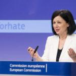 Európska komisia začala politicky obchodovať s Europrokurátorom. Chce dohodu s Poľskom aj Maďarskom