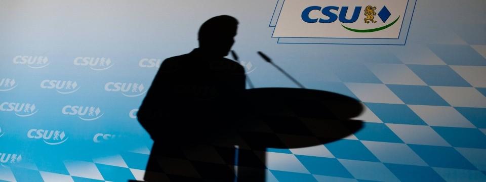 Frankfurter Allgemeine Zeitung: CSU v Mníchove vyzýva na nový reštart bez Seehofera