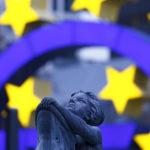 Plány Európskej komisie na reformu Eurozóny sú prvou vážnou prehrou Macrona