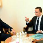 HIRADO: Maďarsko vetovalo schôdzku NATO-Ukrajina, pre školský zákon
