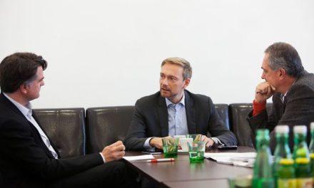 """Christian Lindner (FDP): Nechcem """"zelené plánovanie"""", nechcem byť nútený do Jamajky. Chcem obnoviť dialóg s Putinom a dostať ho na G7"""