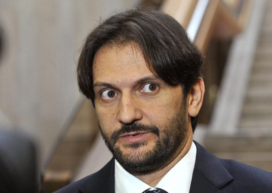 Mocný muž Smeru končí, Kaliňák rezignoval na post ministra vnútra aj podpredsedu vlády