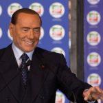 MIMORIADNA SPRÁVA: Berlusconi sa vracia, jeho koalícia vedie vo voľbách na Sicílii