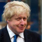 Londýnsky moslimský starosta Khan vyzval Johnsona k rezignácii: Kadiaľ chodí, tade uráža