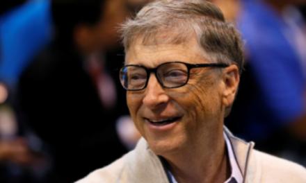 Fox News: Gates chystá Megalomansky projekt. V púšti chce postaviť chytré mesto