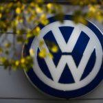 Vyšetrovatelia vykonali raziu vo Volkswagene pre podozrenie zo sprenevery