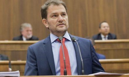 Nastal čas podať mimoparlamentnej strane SMK pomocnú ruku, tvrdí Matovič. Chce tým poraziť SMER