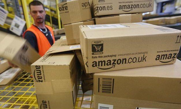 VIDEO: Vodiči Amazonu musia doručiť viac ako 200 balíkov denne, kvôli nedostatku času močia do fliaš