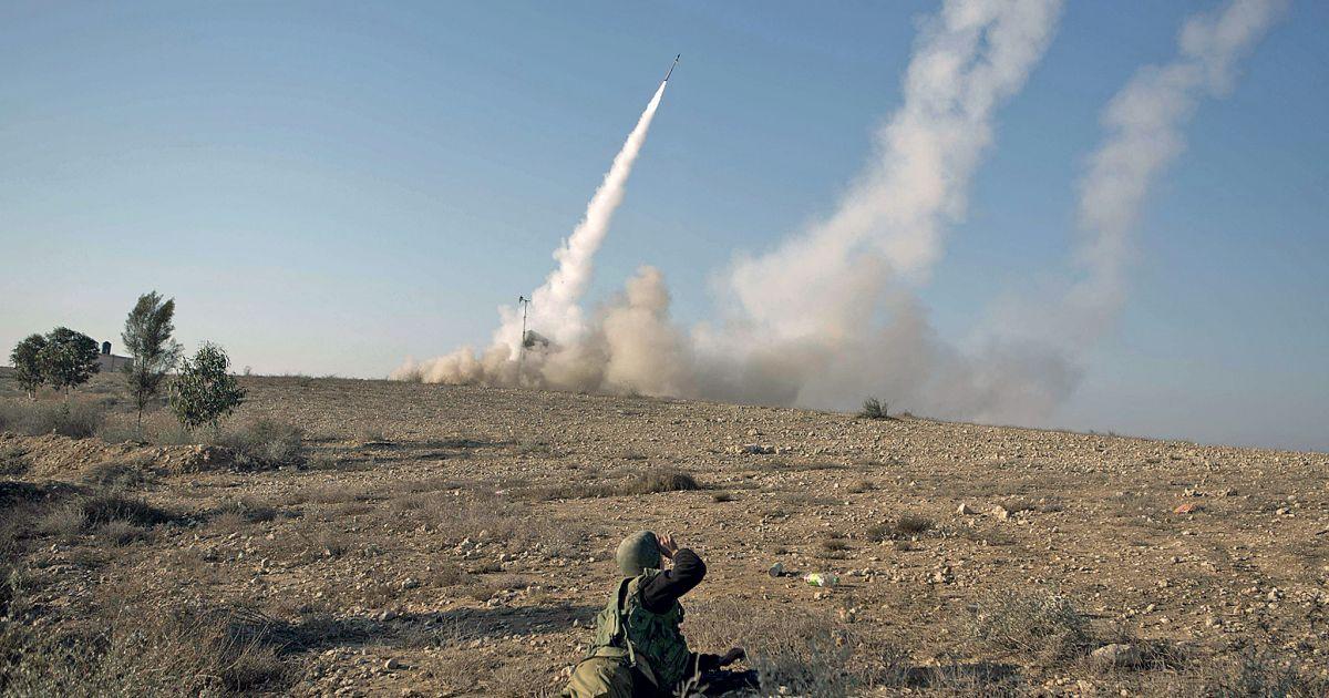 MIMORIADNA SPRÁVA: Izrael hromadne zaútočil na Sýriu, aby sa pomstil za zostrelené lietadlo