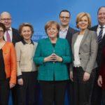 """KOMENTÁR: Merkelovej """"Hra o tróny"""" tvárou v tvár hroziacej katastrofe"""