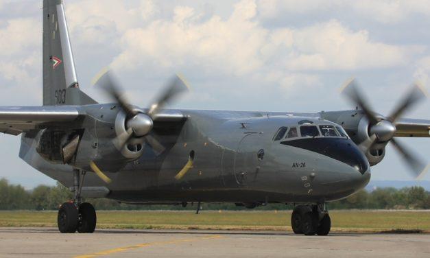 MIMORIADNA SPRÁVA: V Sýrii havarovalo ruské dopravné lietadlo AN-26. Všetci sú mŕtvi.