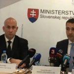 Minister zdravotníctva Tomáš Drucker tvrdí, že Jozef Ráž ml. je pokorným a spravodlivým človekom