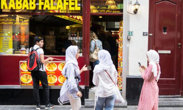 HOLANDSKO: 90% migrantov je na dávkach aj po 2,5 ročnom pobyte v krajine