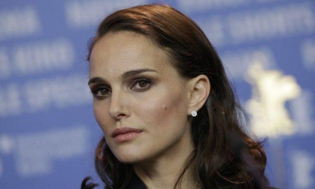 Natalie Portman si odmietla prevziať židovskú cenu. Odmenu 2 milióny dolárov však nevrátila.