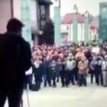 """Na proteste """"Za slušné Slovensko"""" sa hovorilo o strieľaní členov vlády."""