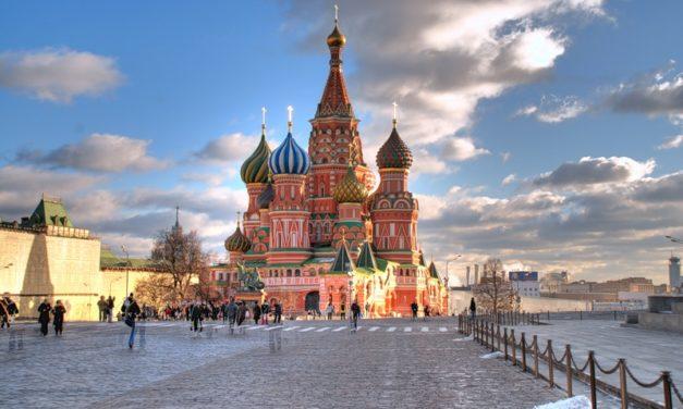 Vojna ratingových agentúr proti rétorike Západu pri hodnotení pozície Ruska