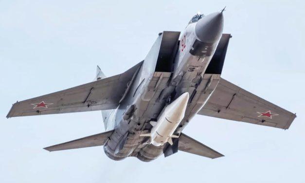 Rusko má 10 nosičov rakiet Kindžal. Kde ich môže umiestniť?