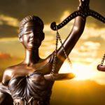 ČESKÁ JUSTICE: Samozvaní sudcovia na Facebooku