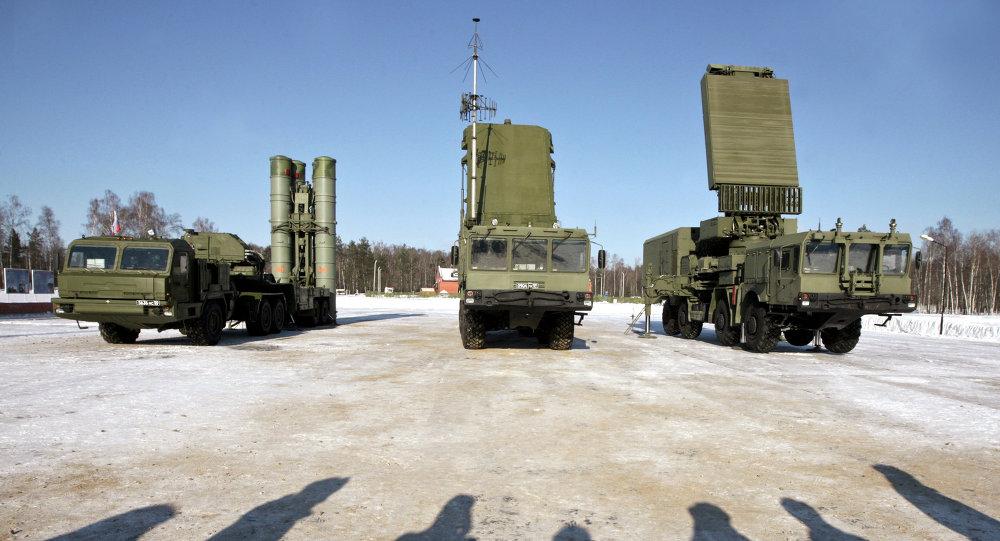 Rusi zostrelili cieľ futuristickým komplexom S-500