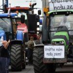 Andrea Kováčová na blogu Denníka N si myslí, že farmárov zneužil minimálne jeden agrobarón